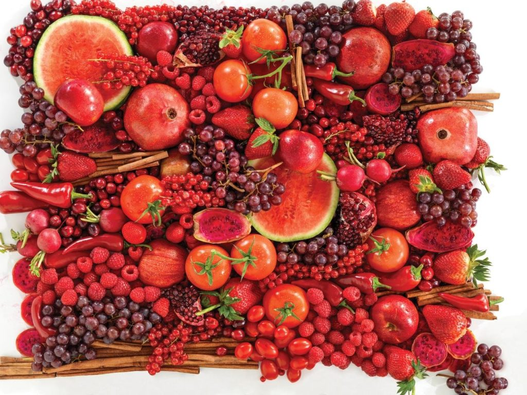 Красные овощи и фрукты